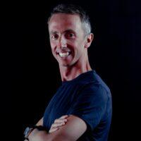 Alessio Politi insegnante yoga vinyasa trainer presso associazione sportiva il centro 4.0 viareggio lucca