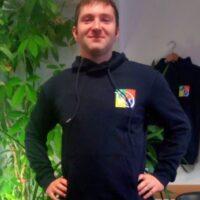 Marco Graziani insegnante ginnastica dolce per anziani ginnastica per tutti presso associazione il centro 4.0 Viareggio educazione motoria per bambini
