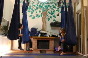 corso di aerial yoga gravity associazione il centro 4.0 viareggio versilia amache tessuto